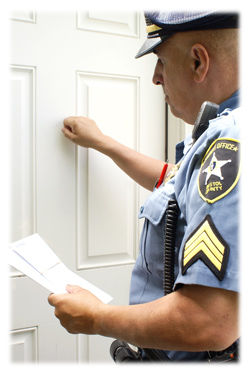 serving papers What is a process server january 02, 2017 process servers are legally required to serve papers in the correct manner laid out by their state process serving laws differ by state, so each individual process server may have a distinctive way of carrying out service.